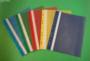 skoroszyty, przechowywanie dokumentacji, podstawowe materiały biurowe
