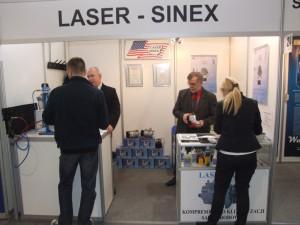 Targi techniki motoryzacyjnej Poznań 2012, stoisko LASER-SINEX, wszystko do autoklimatyzacji, regeneracja kompresorów