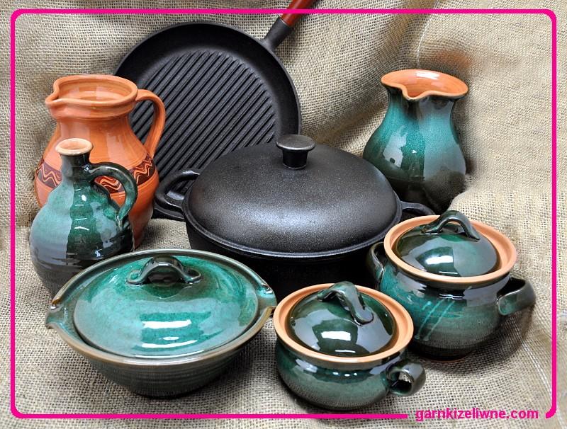 tradycyjne naczynia kuchenne, patelnie stalowe, garnki żeliwne, naczynia gliniane